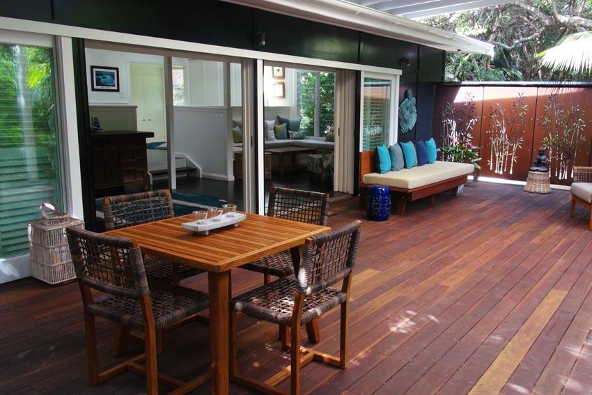 blue_peters_beach_house_deck_04
